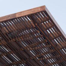 Terraza en bambu en el paseo maritimo de Tel-Aviv