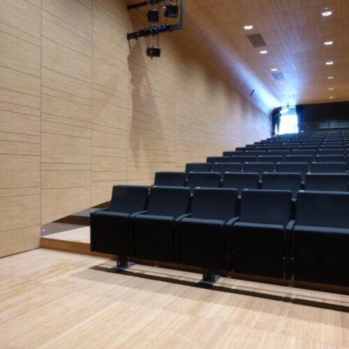 Sol en bambou installé dans l'Auditorium Treviglio