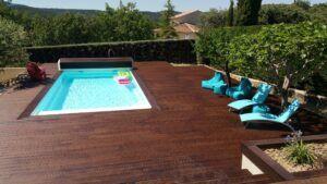 MOSO Bamboo X-treme Terrassendielen um den Swimmingpool