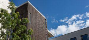 Bambus Fassadenverkleidung in Bo-og Pflegeheim
