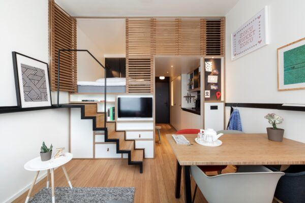 Mobiliário e pavimento em bamboo num moderno hotel em Amesterdão