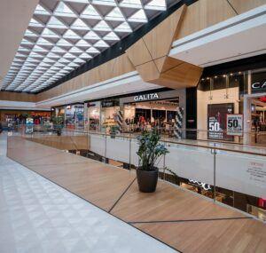 MOSO Bambus Fußboden, Wandverkleidung und Decken in Rishonim-Einkaufszentrum