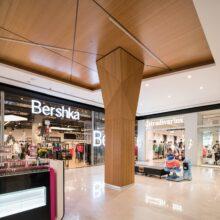 MOSO Bamboe vloeren, wanden en plafond in winkelcentrum Rishonim