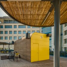Bamboo X-treme decking intorno alla Taub Building