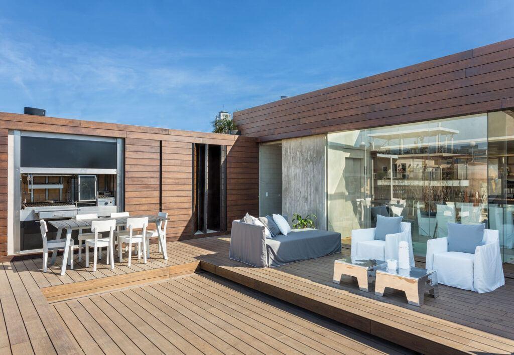 La terraza de bambu MOSO está instalada en una Residencia privada en Buenos Aires