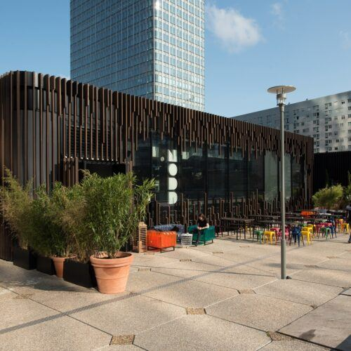 Listones MOSO Bamboo X-treme instalados como fachada en Oxygen