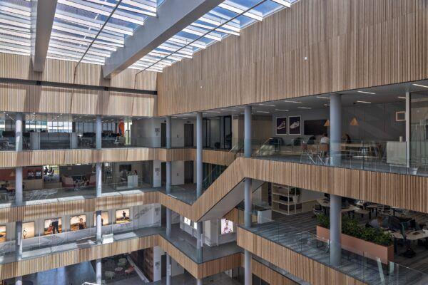 Les produits en bambou MOSO sont installés au nouveau siège de Asics