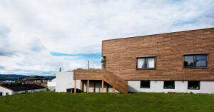 I rivestimenti da esterno Bamboo X-treme® caratterizzano questa residenza privata a Kjeller
