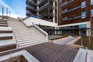 MOSO® Bamboo X-treme® Terrassendielen in einem Treppenhaus