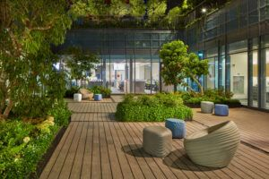 MOSO Bamboo X-treme decking utilizzato per un patio all'aperto