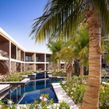 Around pools and restaurants large terraces have been installed with MOSO® Bamboo X-treme® at Nobu Hotel Los Cabos